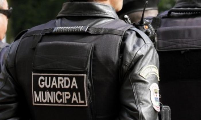 Guardas-municipais têm direito a aposentadoria especial, decide Moraes