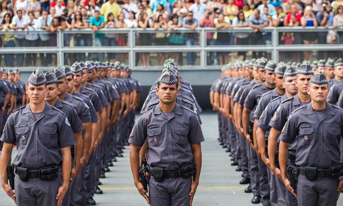 Militar excluído por decisão judicial não perde direito a aposentadoria